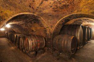 Holzfäser im Weinkeller